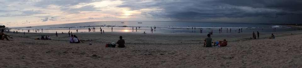 plage kuta coucher de soleil