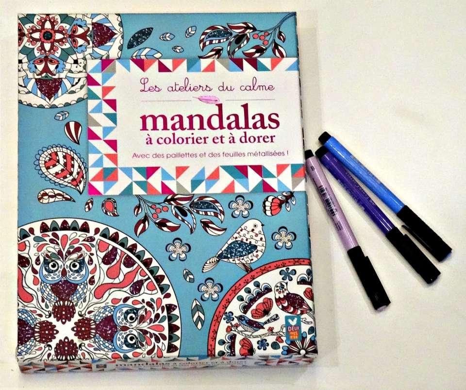 les ateliers du calme mandalas à colorier et à dorer avec des paillettes et des feuilles métalisées