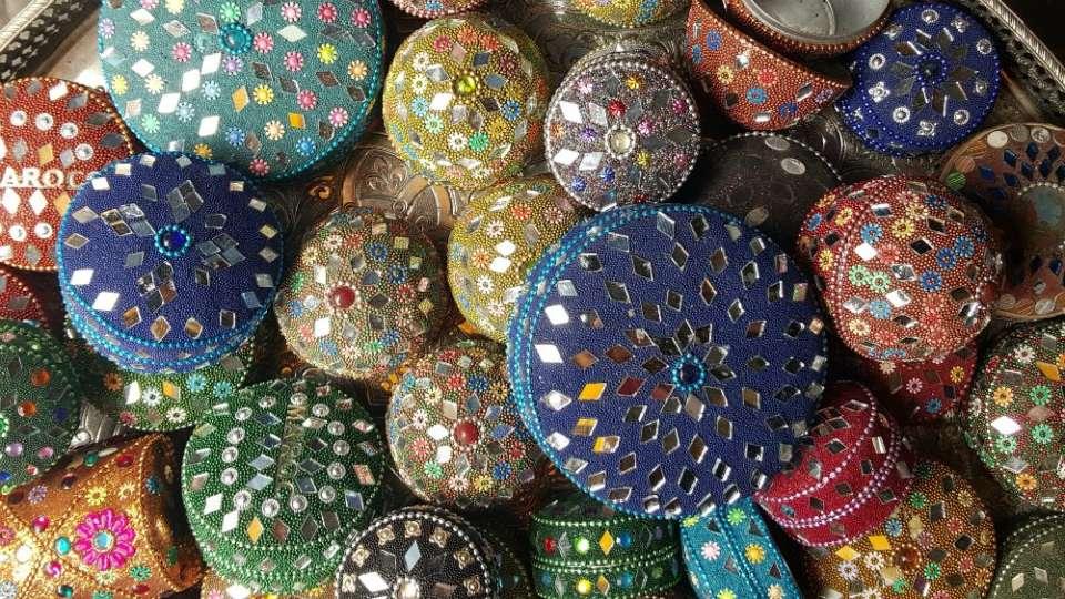 boite maroc mirroir essaouira souk marché
