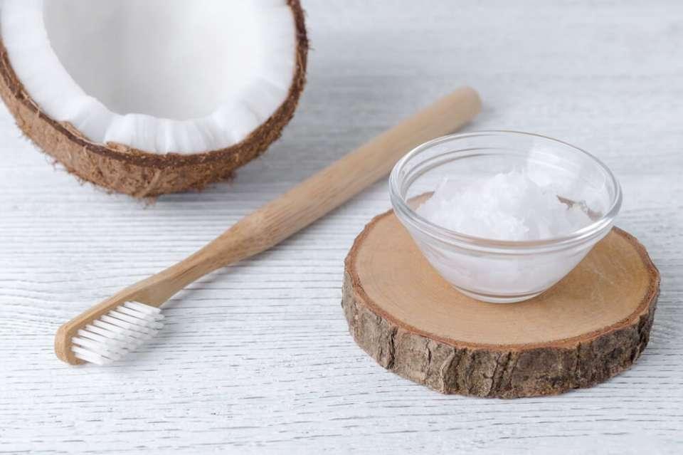 dentifrice maison blanchissant et naturel recette diy. Black Bedroom Furniture Sets. Home Design Ideas